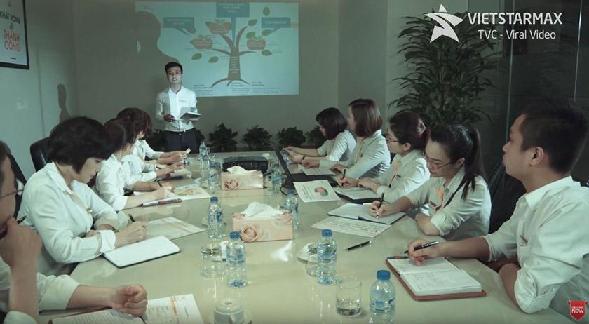 nhân viên phim giới thiệu doanh nghiệp Hải Phát