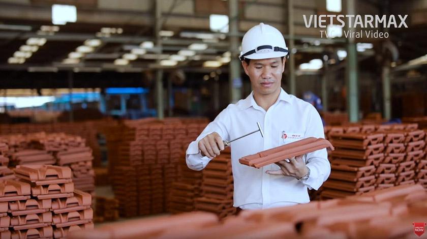 Quá trình sản xuát trong phim Gốm Đất Việt